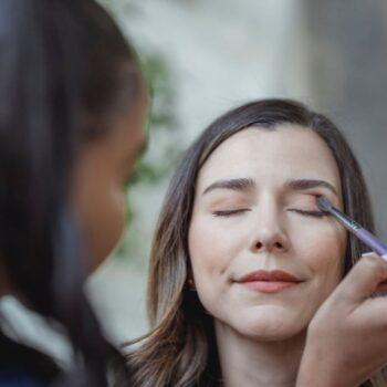 Die Kraft natürlicher Inhaltsstoffe: Körperpflege mit qualitativer Kosmetik